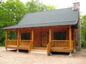 This is a finished Strongwood log home, built in Northern Wis.